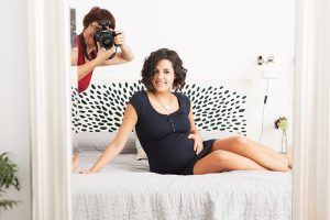 sesion casa-sacatripa-fotografia-embarazo-premama-familiar-bebe-pregnacy-maternity-barcelona-madrid